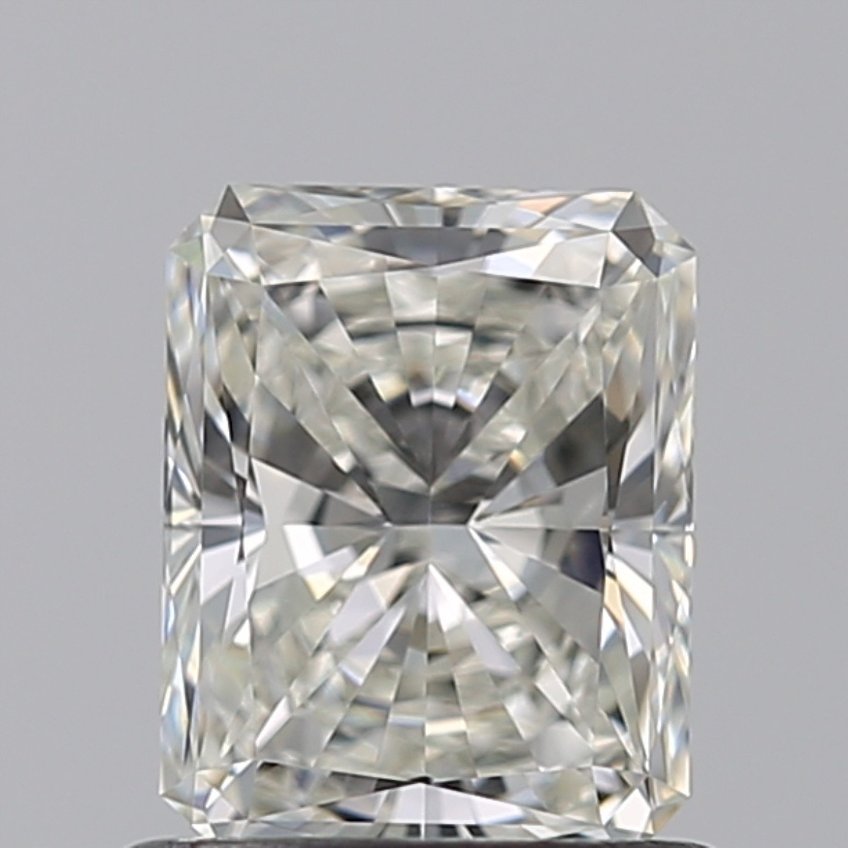 0.80 Carat Radiant Diamond (H/VVS1)