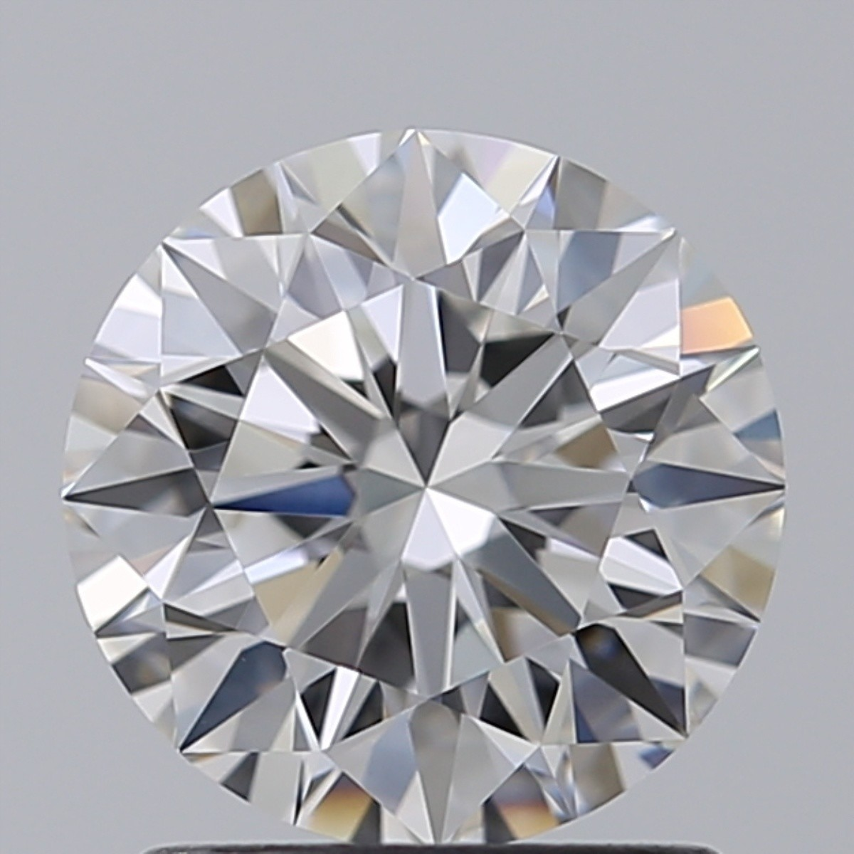 1.35 Carat Round Brilliant Diamond (E/VVS1)