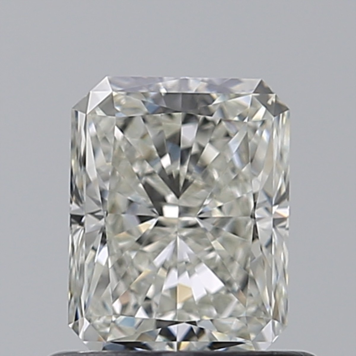 0.76 Carat Radiant Diamond (I/VVS2)