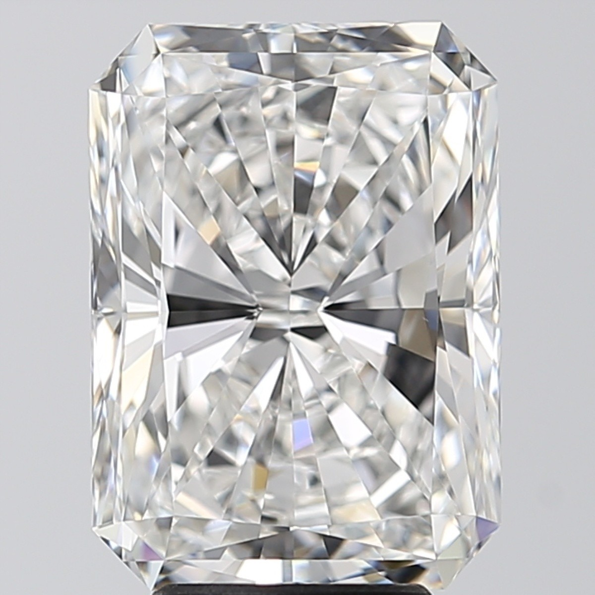 5.00 Carat Radiant Diamond (F/VVS2)