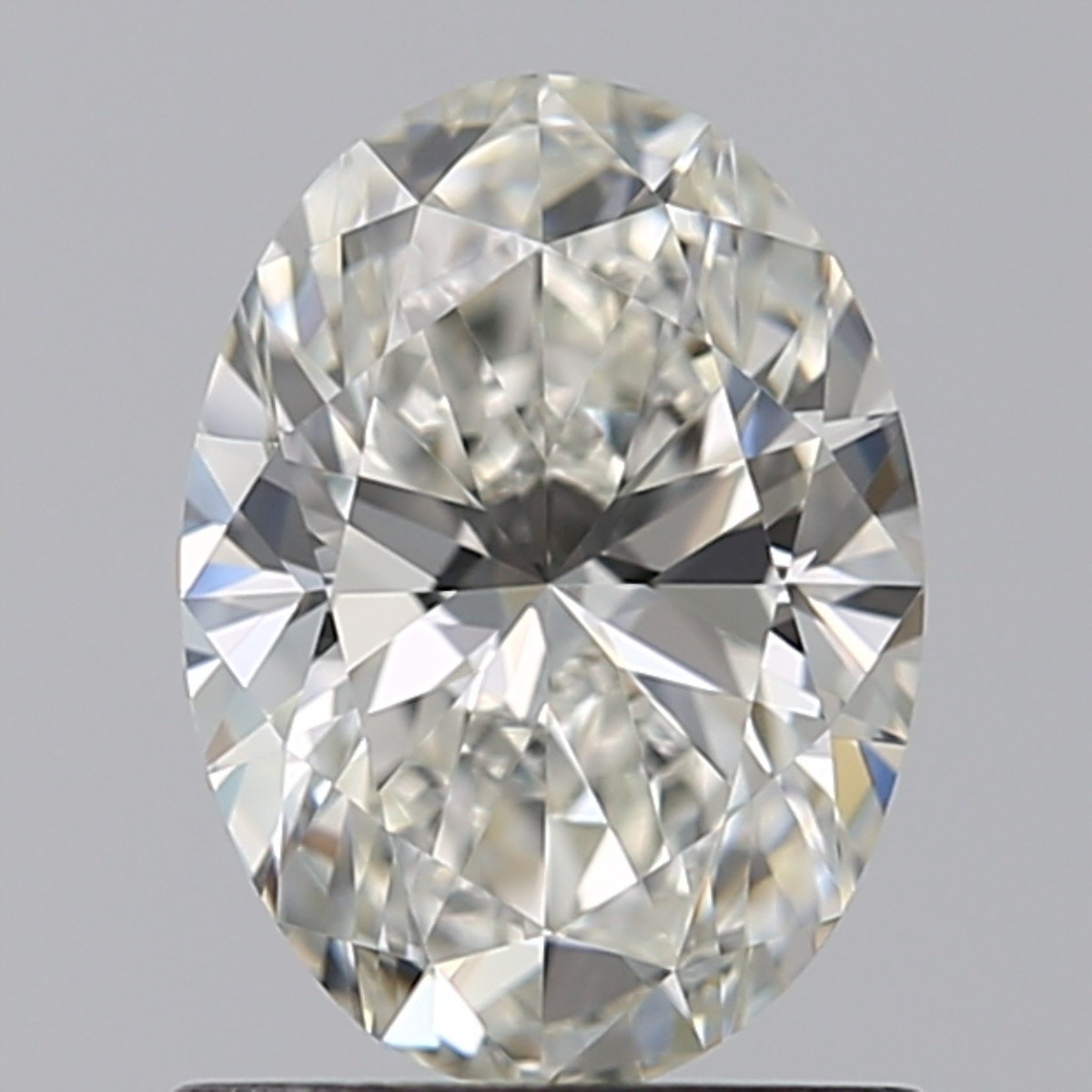 0.90 Carat Oval Diamond (I/VVS2)