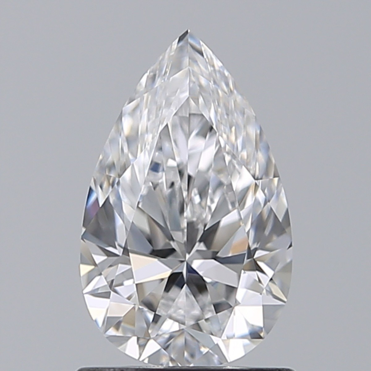 0.90 Carat Pear Diamond (D/IF)