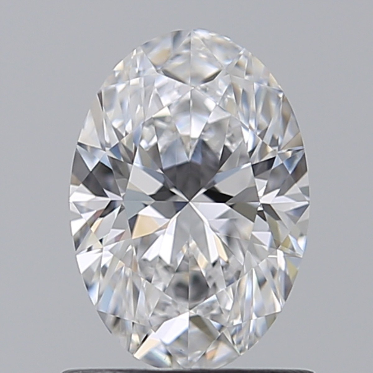 0.90 Carat Oval Diamond (D/VS1)