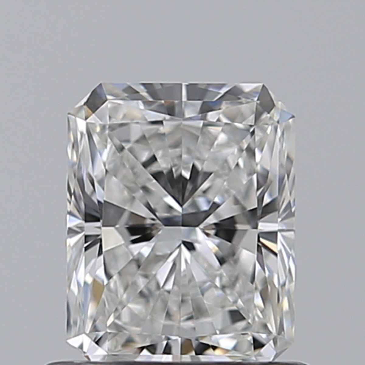 0.76 Carat Radiant Diamond (F/VVS1)