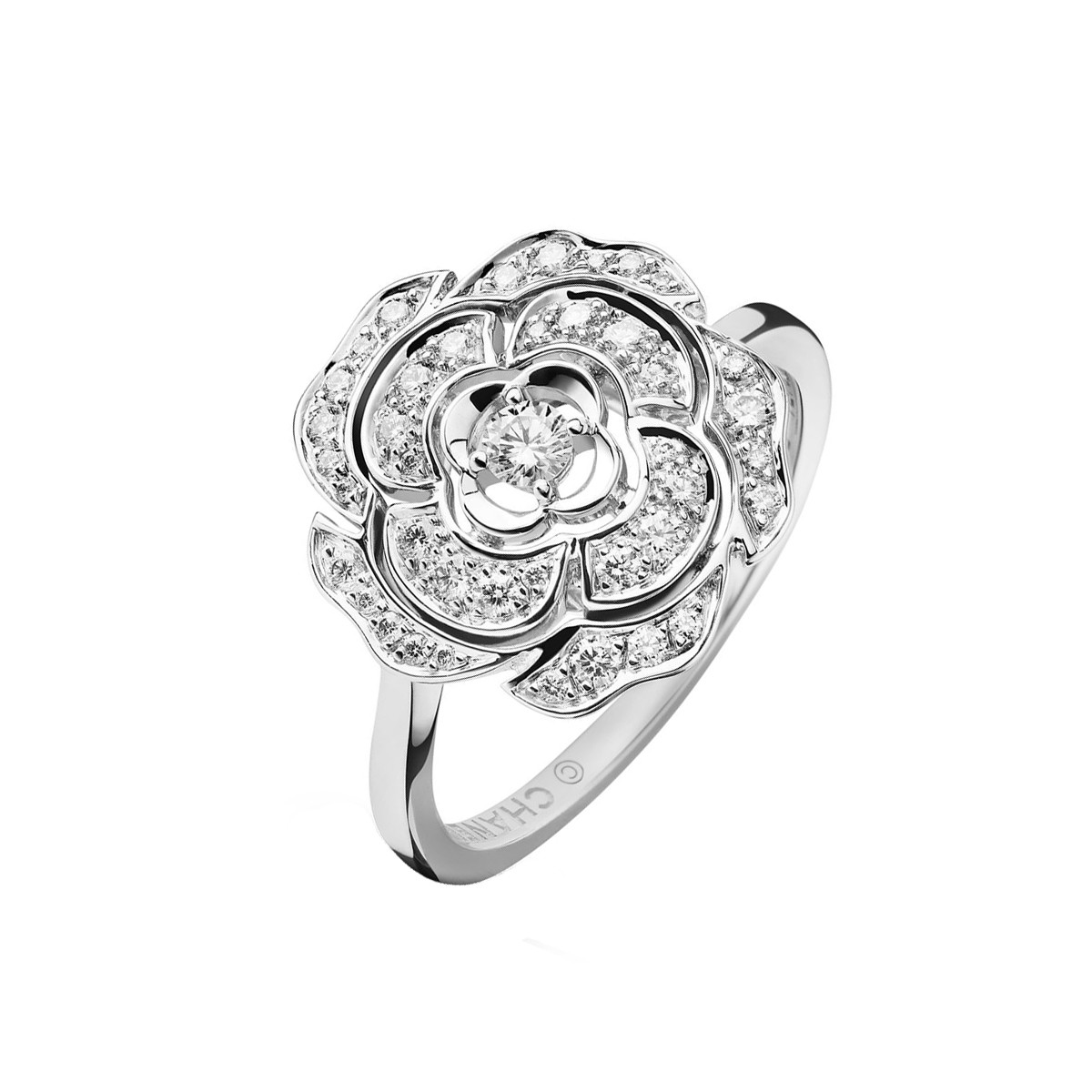 Medium Diamond Bouton de Camélia Ring