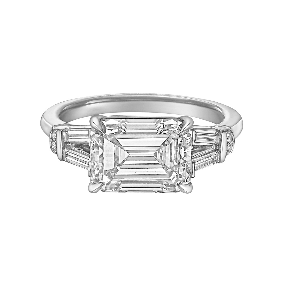 3.02ct Emerald-Cut Diamond East-West Ring (H/VS2)