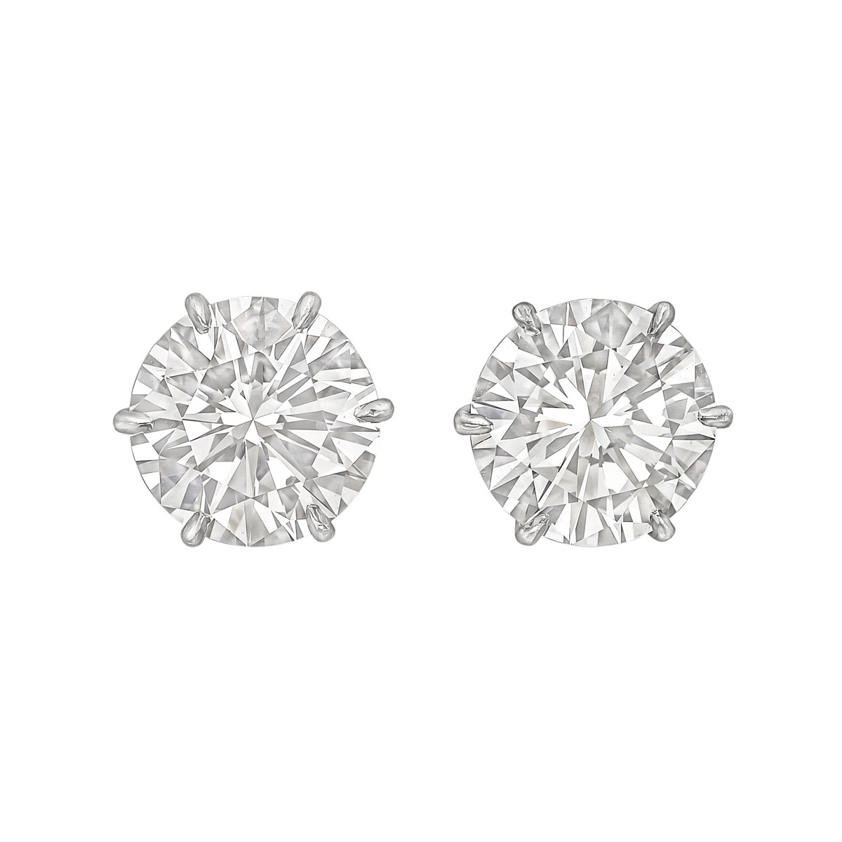 4.18tcw Round Brilliant Diamond Stud Earrings (D/VS1)
